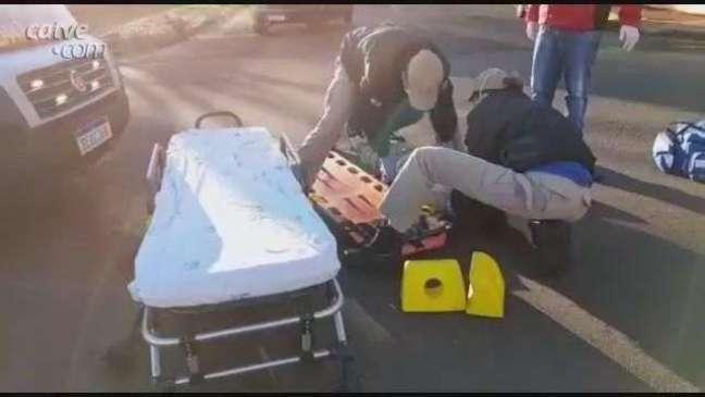 Ciclista fica ferido ao se envolver em batida no Centro de Cascavel