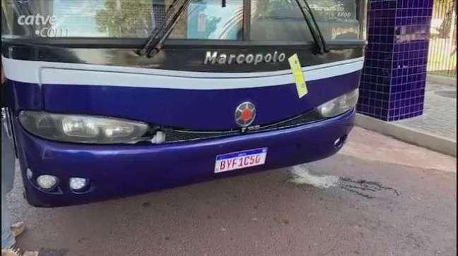 Eletrônicos avaliados em R$ 110 mil são apreendidos em fundo falso de ônibus