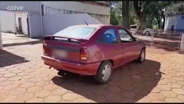 Carro furtado é recuperado pela GM na região do Bairro Floresta