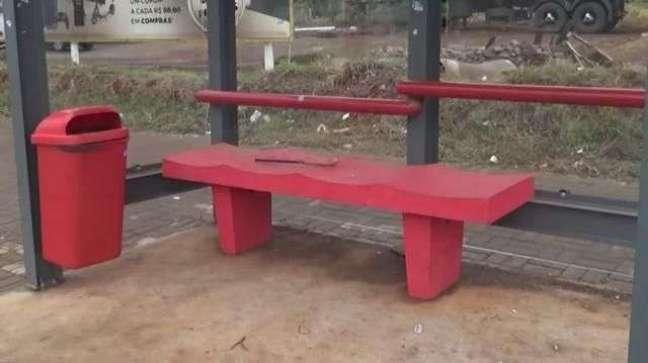 Instalação de novos pontos de ônibus em Cascavel continua atrasada