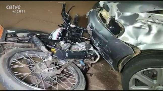 Batida entre carro de moto deixa duas vítimas feridas no Interlagos