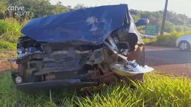 Batida entre carros deixa uma mulher e três homens feridos no Cascavel Velho
