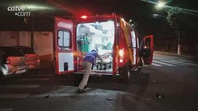 Acidente em cruzamento no Centro deixa mulher de 34 anos ferida