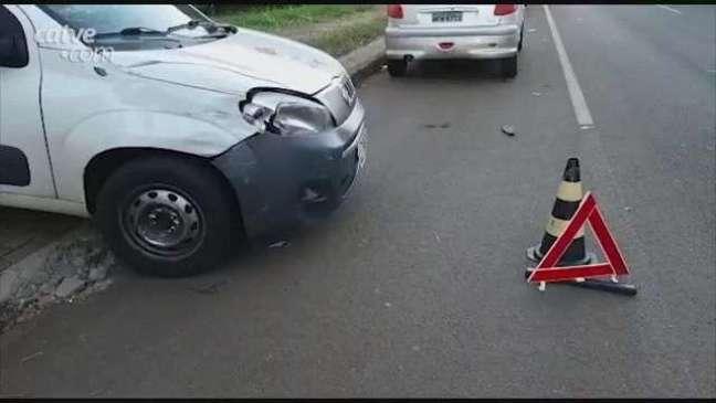 Motociclista fica ferido ao atingir lateral de automóvel no Bairro Neva