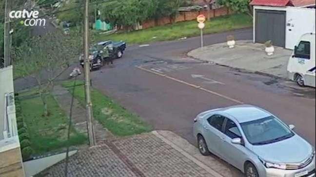 Câmera de segurança registra acidente no Centro de Cascavel