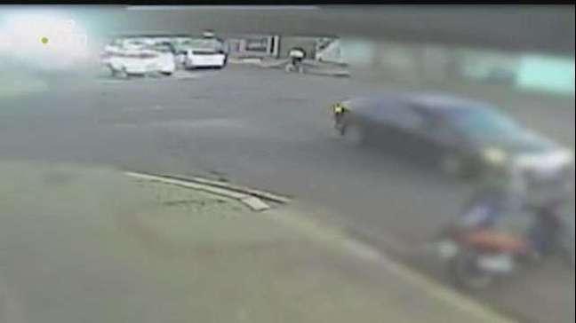 Câmera de segurança registra acidente de trânsito no Centro de Cascavel