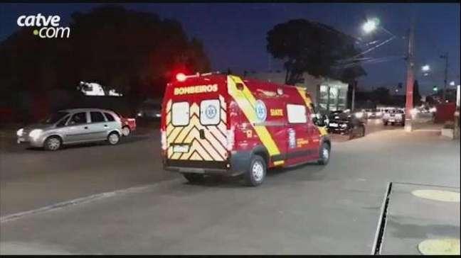 Carro e moto se envolvem em acidente de trânsito no Bairro São Cristóvão