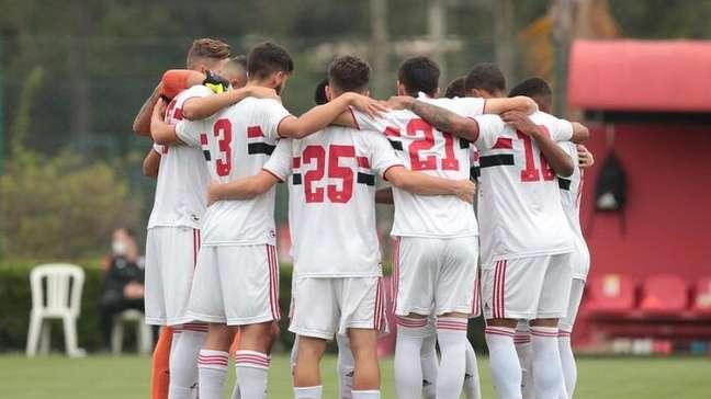 Treinados por Alex: saiba quem são os garotos do São Paulo que aplicaram a maior goleada da história do sub-20
