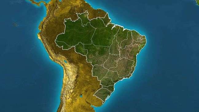 Previsão Brasil - frente fria e corredor de umidade provocam chuva entre o SE e CO do país.