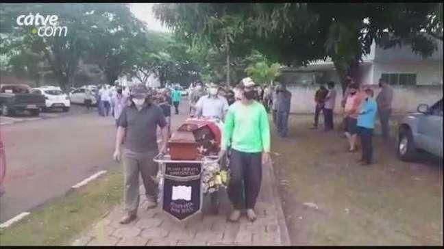Radialista assassinado a tiros é enterrado em Ubiratã nesta quinta-feira (16)