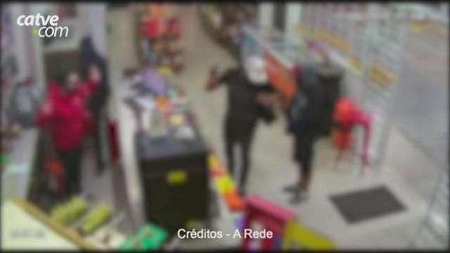 Câmera de segurança mostra roubo em posto de combustíveis, em Ponta Grossa