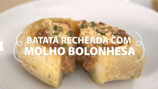 Batata recheada com molho bolonhesa